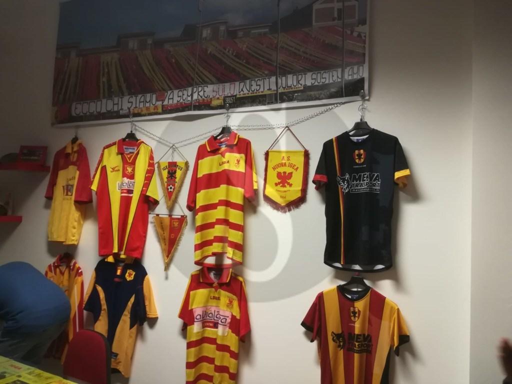 Barcellona PG, bagno di folla per l'inaugurazione della nuova sede del Club Igeani Vecchia Guardia