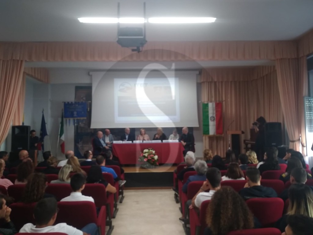 Milazzo, borse di studio per 4 studenti dell'istituto Leonardo da Vinci