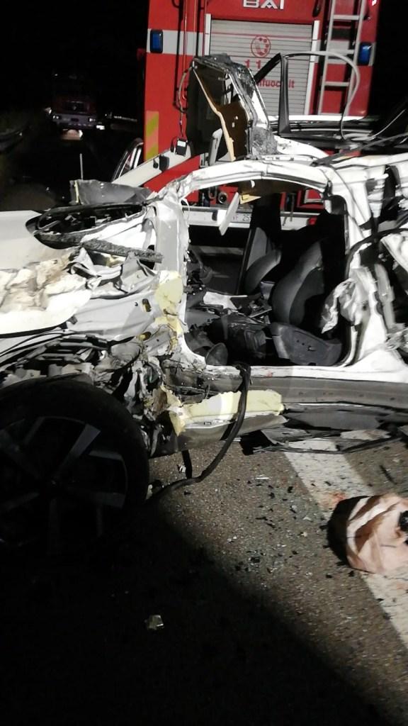 Incidente mortale in autostrada a Cefalù, Suv finisce sotto un camion