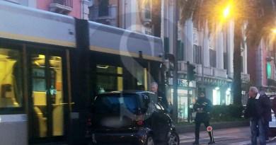 Messina, incidente tra auto e tram in viale San Martino: ferite due donne, traffico in tilt
