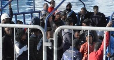 """Chiusura hotspot in Sicilia: Conte impugna l'ordinanza di Musumeci mentre il PD parla di """"diktat salviniani"""""""