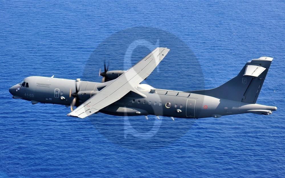 Sigonella, l'Aeronautica Militare partecipa all'attività di soccorso di un mercantile in fiamme