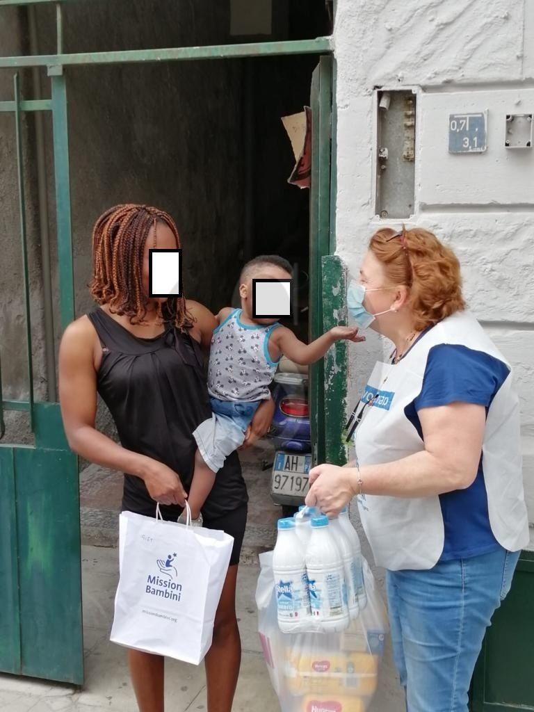 """""""Banco per l'infanzia"""", in consegna 10.000 prodotti per 800 bimbi fino a 6 anni"""