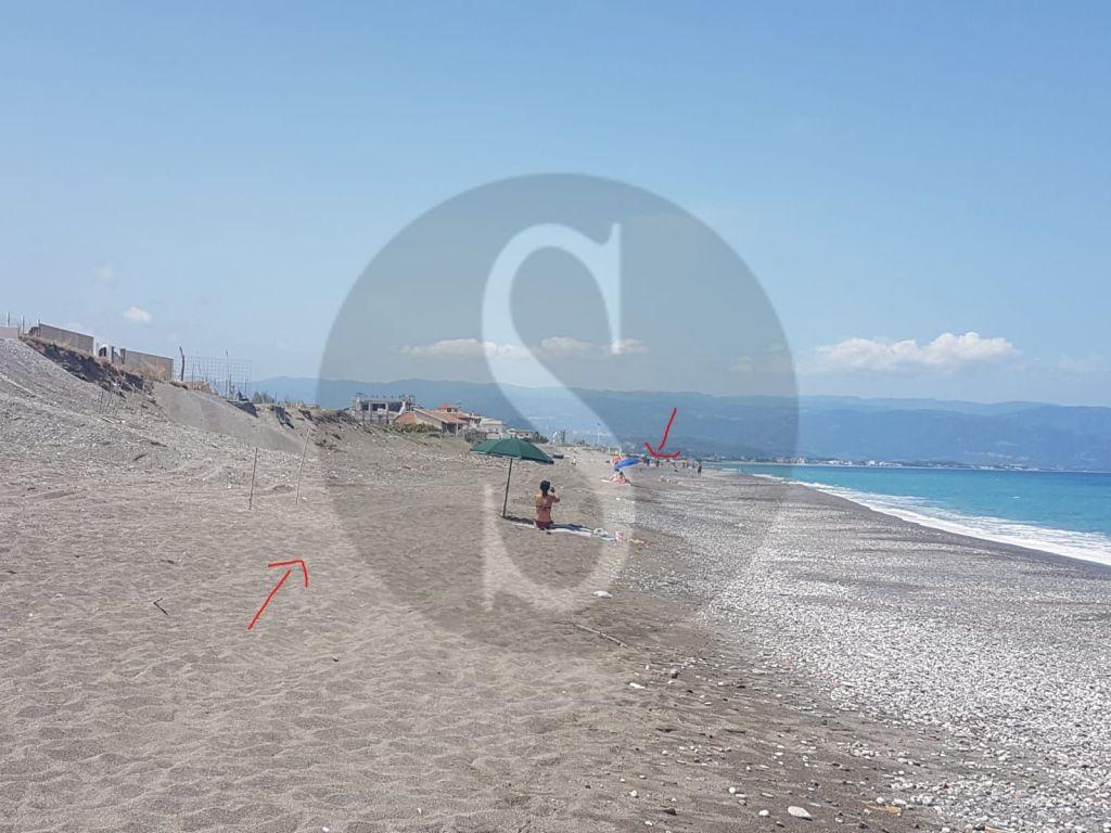 Barcellona PG, branco di motociclisti semina il panico in spiaggia tra i bagnanti