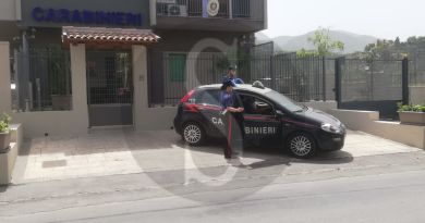 Barcellona PG – Minorenne arrestata dai carabinieri per detenzione ai fini di spaccio di sostanze stupefacenti