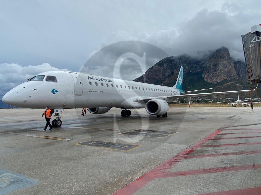 Estate 2020, voli Air Dolomiti 4 volte a settimana tra Firenze e Palermo