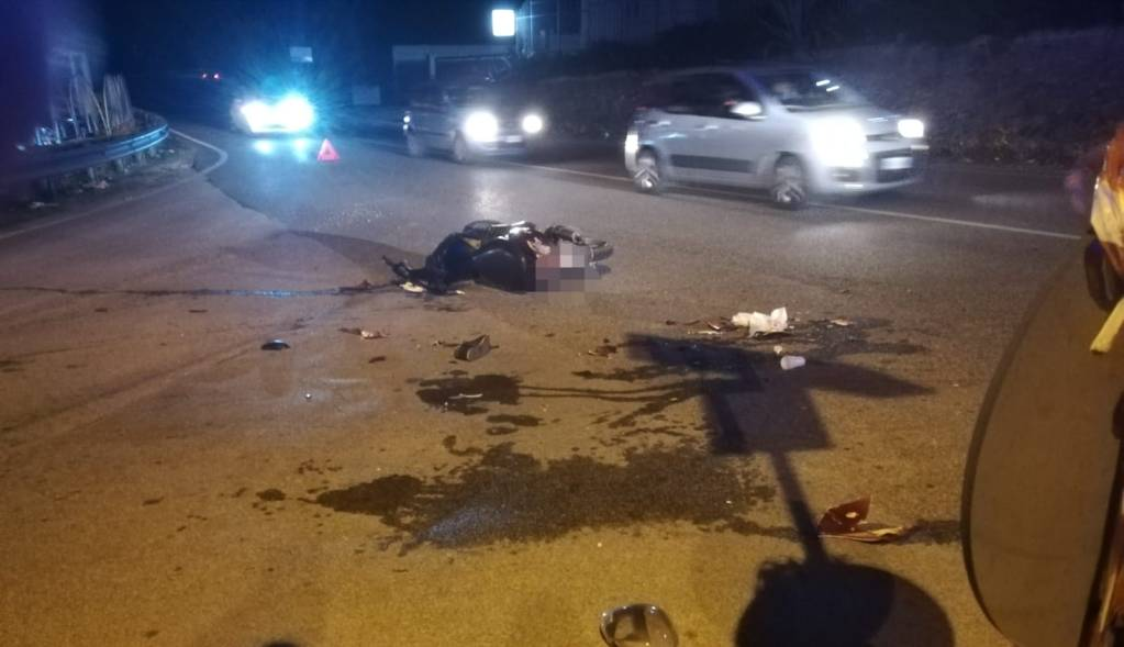 Barcellona PG, incidente tra auto e scooter: gravemente ferito il giovane centauro