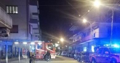 Barcellona PG – Violento scontro tra due auto in via Kennedy, necessario l'intervento dei vigili del fuoco