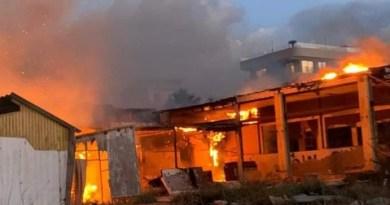 Milazzo, vasto incendio a Ponente nella zona delle ex Cupole. Intervento dei vigili del fuoco