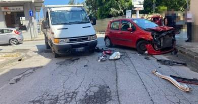 Barcellona PG – Ennesimo incidente stradale in via Milite Ignoto: due mezzi coinvolti