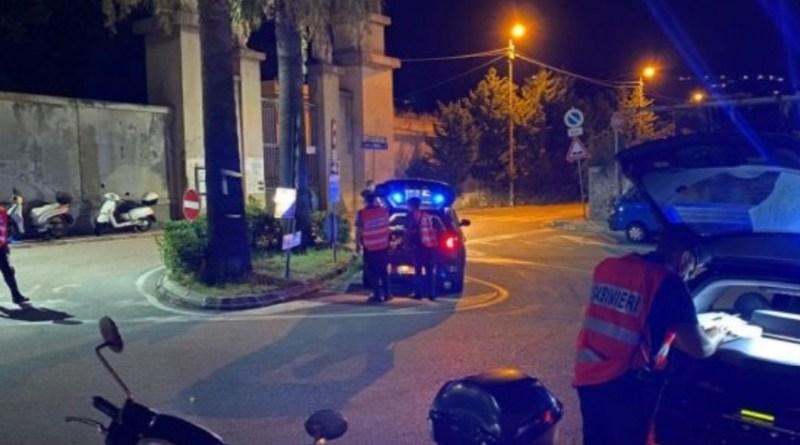 Lipari – Picchiano due uomini per soldi, i Carabinieri arrestano due giovani