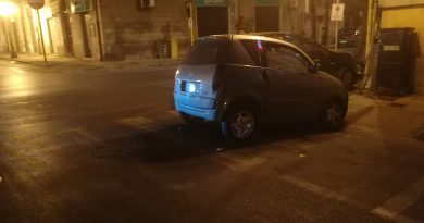 Barcellona PG, incidente tra una minicar e una Fiesta: giovane in ospedale