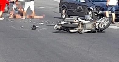 Messina – Grave incidente auto – scooter, donna ferita