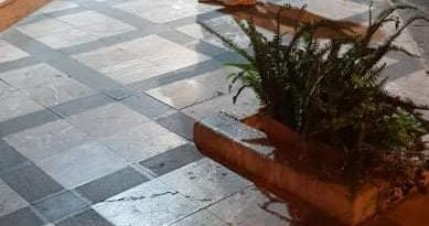 Milazzo, l'aiuola di via Umberto I continua a causare cadute: donna finisce in ospedale con trauma cranico e frattura al braccio