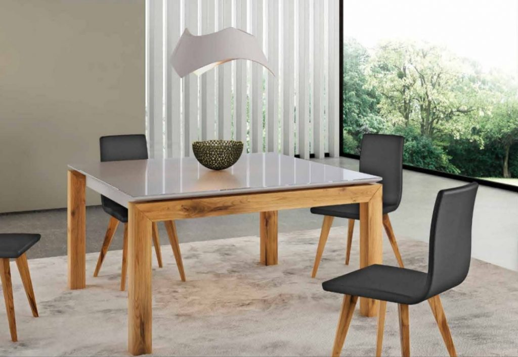 selection de tables et chaises modernes