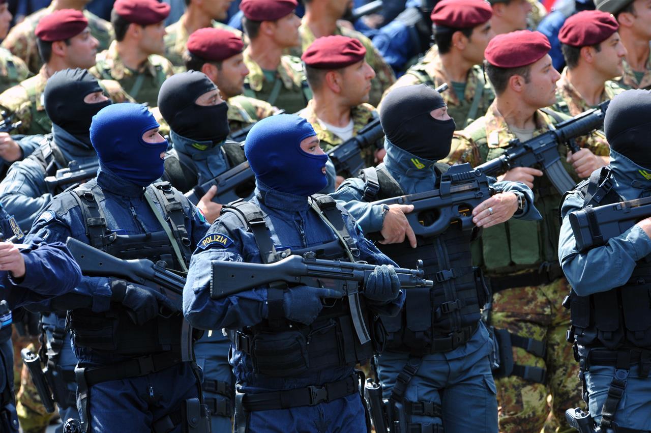 Polizia e militari: come cambiano gli stipendi