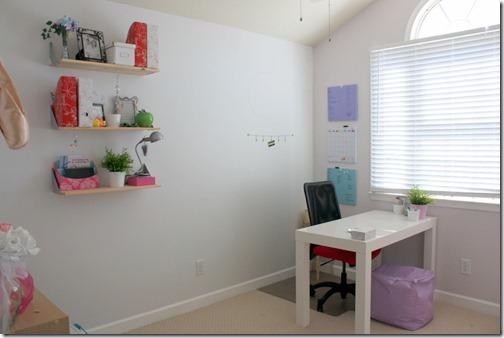 girl's office