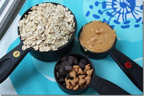 peanut butter oatmeal and chocolate chips