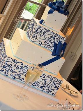 white & blue wedding cake