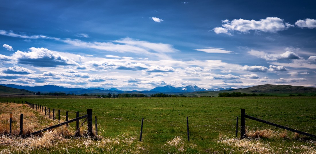 Scouting With Fuji »» Southern AlbertaScouting with the Fujifilm X-T1 body and 23mm ƒ1.4 lens in Southern Alberta + Canadian Rockies during a late spring afternoon.