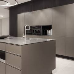 Kitchen Showrooms Stand Alone Island Siematic Studios Experts In Design Visit Your Specialist Person