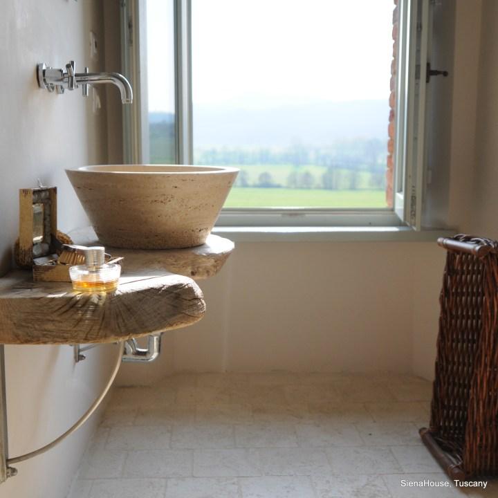 Image of Siena room bathroom at siena house