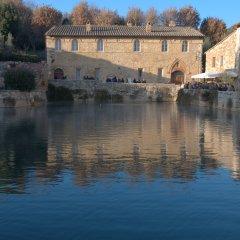 Bagno Vignone; Winter Holiday Passeggiata