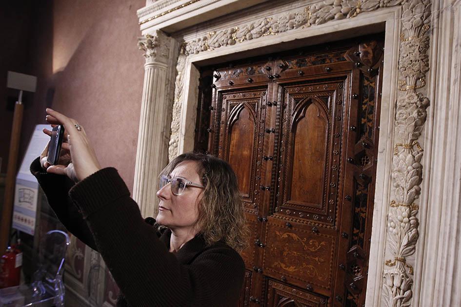 Nuova luce per il portale della Sala del Concistoro  fotogallery  Siena News