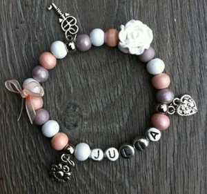 Armband Tessy met naam peach