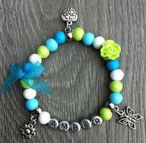 Armband Tessy met naam aqua lime