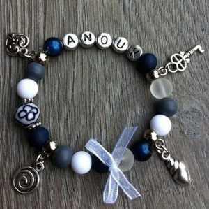 Armband Tessy met naam blauw wit grijs
