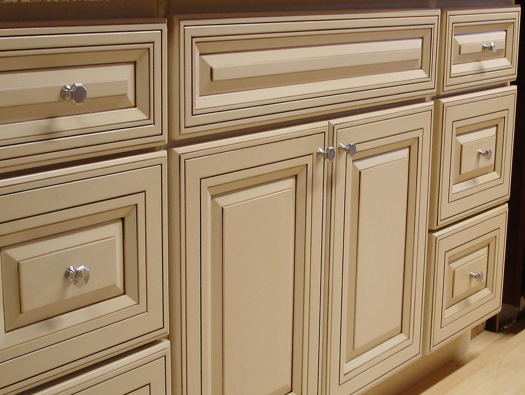 kitchen cabinet fronts slate appliances what is best placement for door and drawer handle