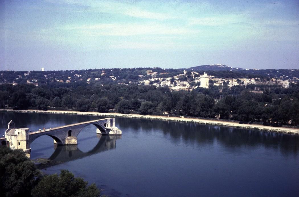 Sur le pont d' Avignon, Pont Saint-Bénézet,