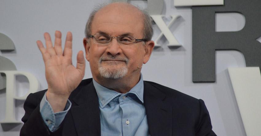 tridsiatka literárnych hviezd Rushdie