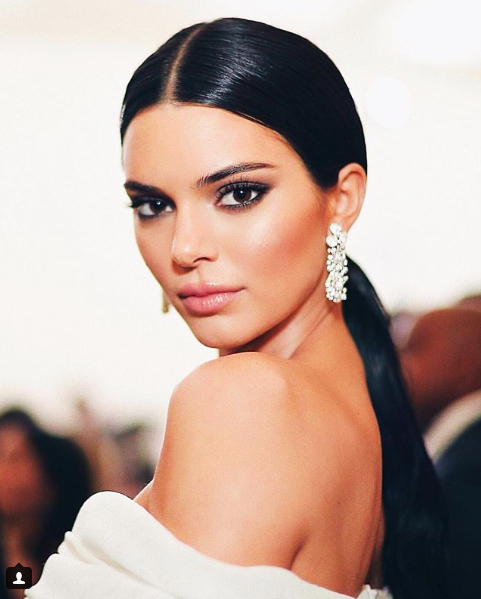 Beauty-Icons-Throughout-The-Decades-Sifas-Corner-kendall