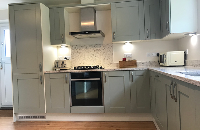 Sherbourne Sage Green Real Kitchens Stunning Kitchens Designed By Experts Sigma 3