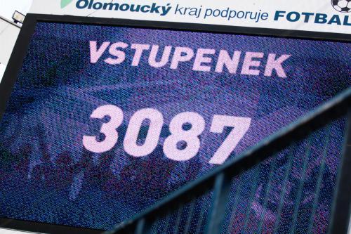 Na utkáních přišlo smutných 3087 diváků (resp. bylo vydáno lístků) Na LFA by se měli zamyslet nad termíny soutěže