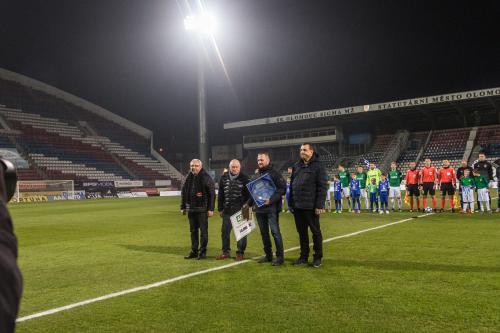 Za dokonalou péči o pažit Androva stadionu byl cenou Groundsman roku 2018 odměněn  trávníkář ze SIGMY  Dušan Romanovský