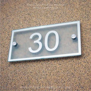 Rectangle Chrome Mirror Border With Sandblast Frosted Finishing Sign 30
