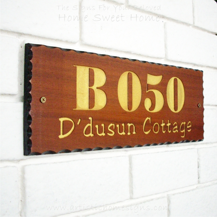 WDR-400 Rectangle Wooden House Sign Gold Letters B050