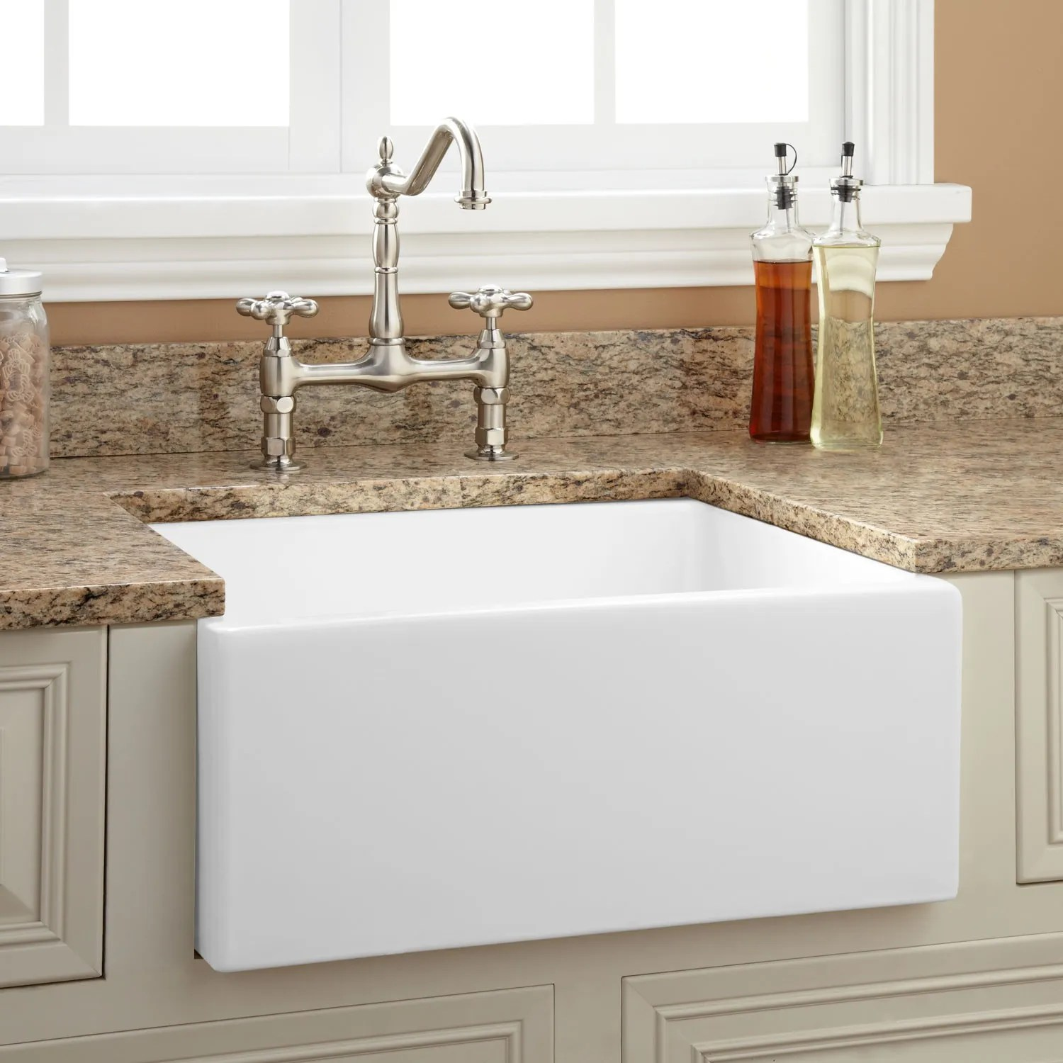 24 Risinger Reversible Fireclay Farmhouse Sink  Smooth