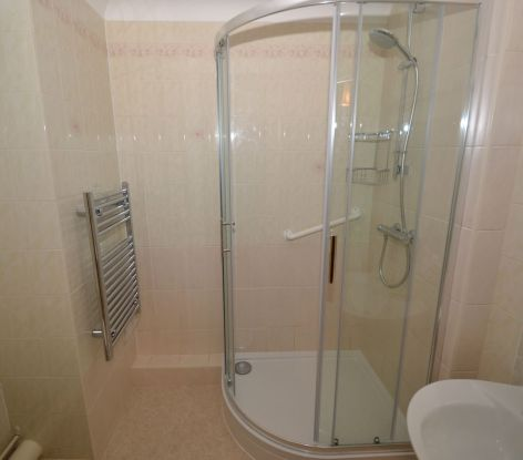 Retirement flat shower refurbishment - Coulsdon Emerald Court 1