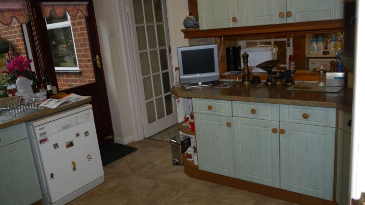 Kitchen Makeover - The Chase BEFORE 3