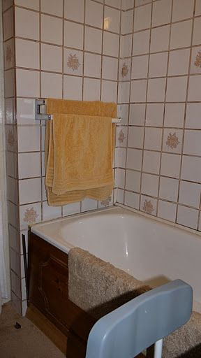 Bathroom Makeover with knock through - Helder Street BEFORE 4