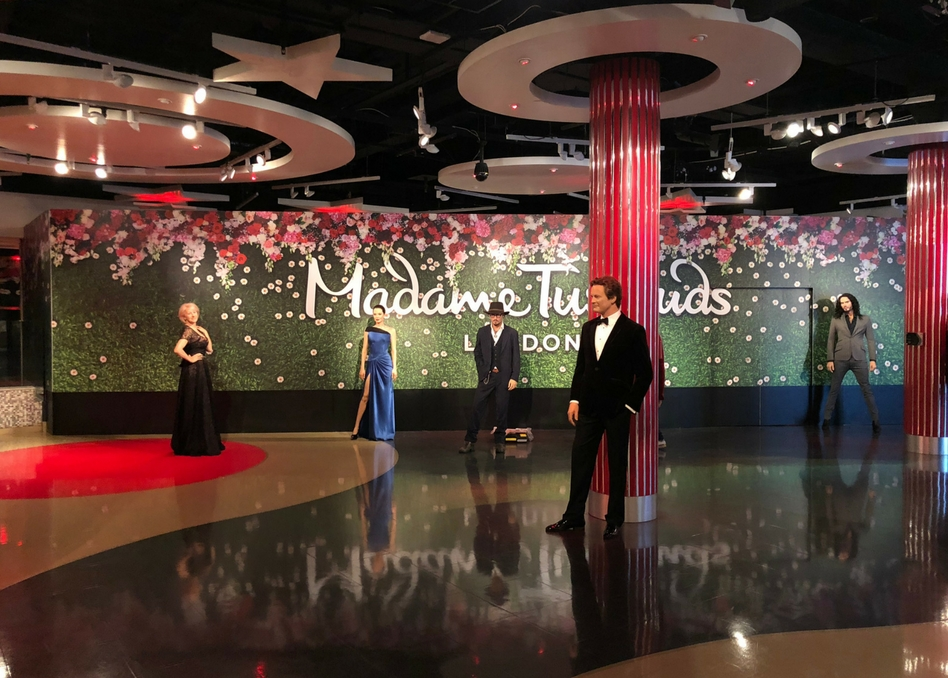madame tussauds fastsigns installation