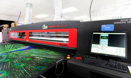Reade Signs keeps up with demand with an EFI Vutek LX3
