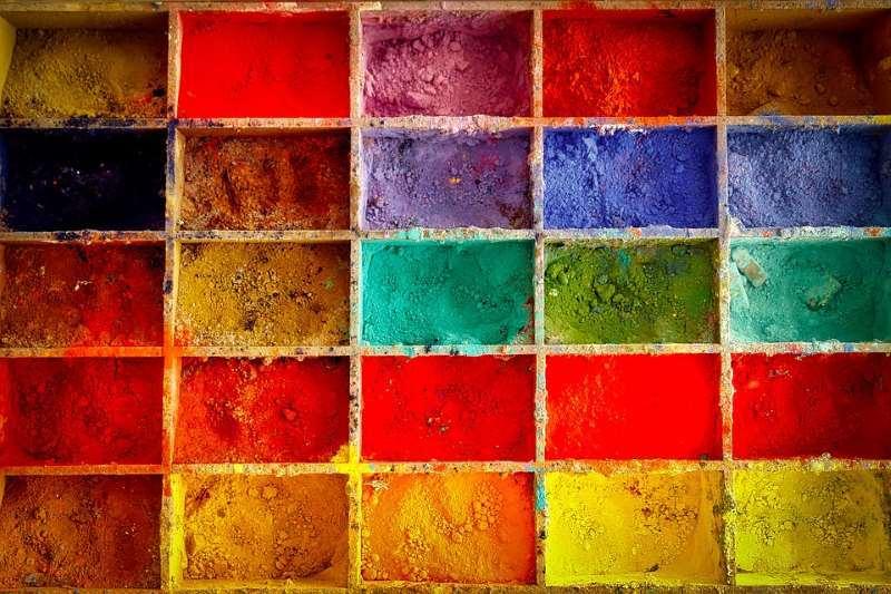 Colores en Letón ▷【Lista Completa de Colores】