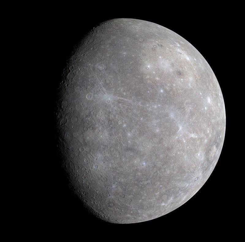 El color predominante de Mercurio es el gris