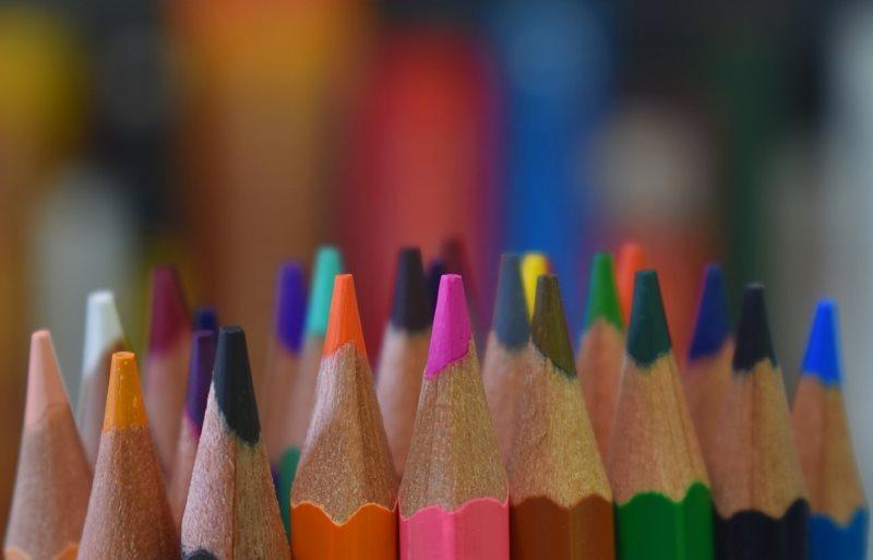 Colores en Latín ▷【Lista Completa de Colores】