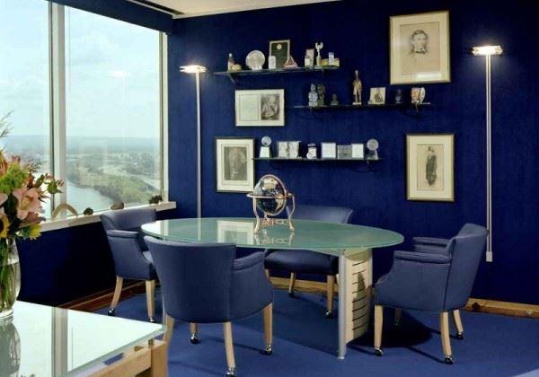 ejemplo de diseño de interiores en color azul